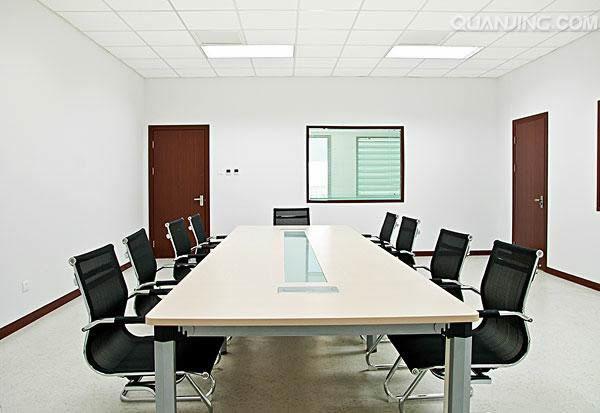 办公室装修对墙面颜色的搭配会影响效果的呈现